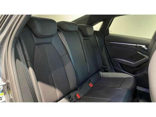 Audi S3 Limousine Businessp./19''/OptikSchwarz/Privacy