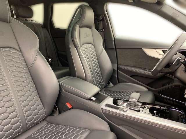 Audi RS4 Avant 331kW*280 km/h* RS-Abgas*AHK*B&O*Pano*Matri