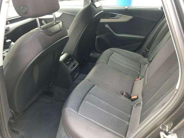 Audi A4 Avant 30 TDI S tronic