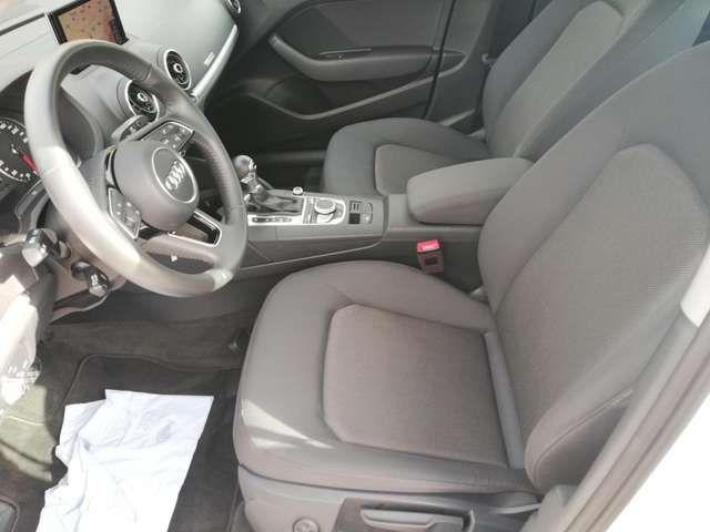 Audi A3 SPORTBACK 1,6 TDI S TRONIC XENON NAVI SHZ PDC
