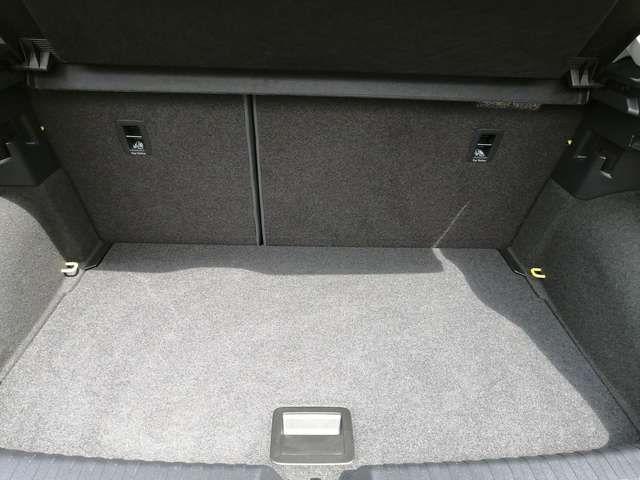 Audi A1 citycarver 30 TFSI Navi Alu Einparkhilfe Rück