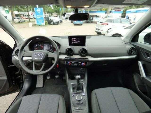 Audi Q2 basis Klima PDC
