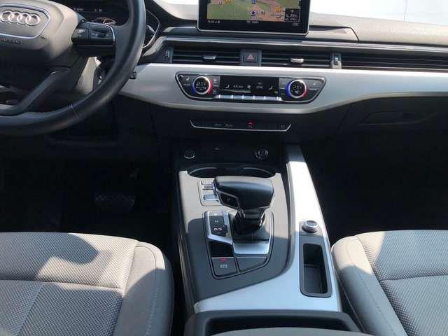 Audi A4 Lim. 2.0 TDI S tronic Navi LED Kamera PDC