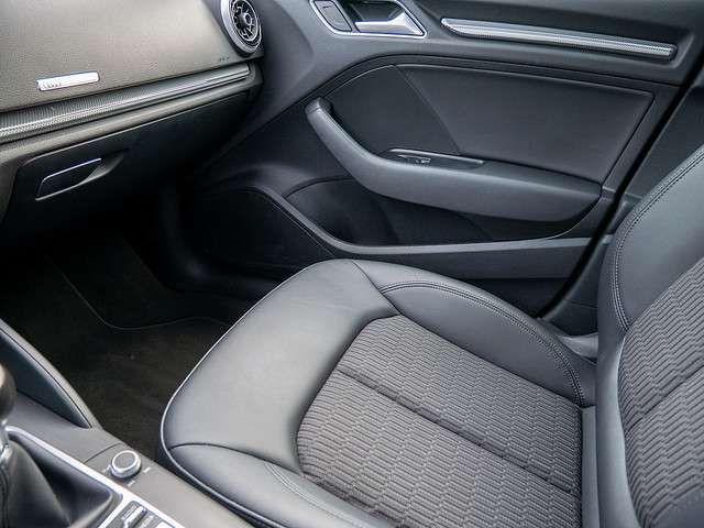 Audi A3 2.0 TDI Limousine design AHK Xenon Navi