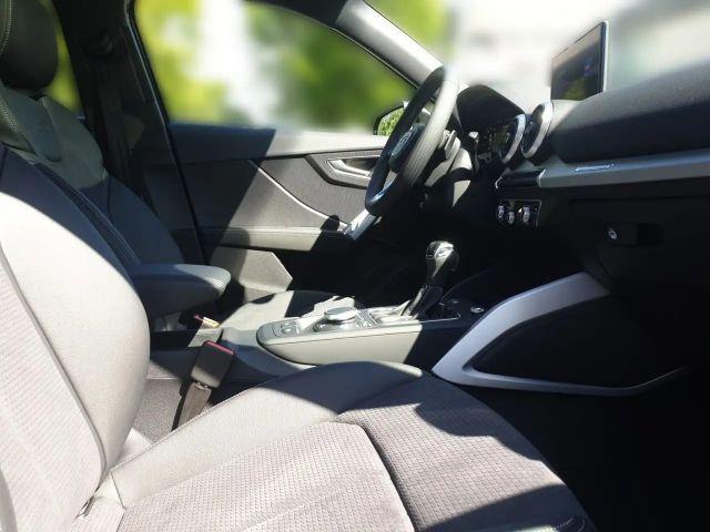 Audi Q2 S line 35 TFSI S line Navi Matrix Panorama B&