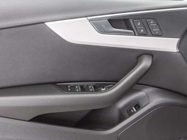 Audi A4 Limosine Advanced 40 TDI qu. S tr. PANO NAVI