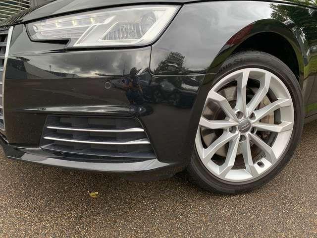 Audi A4 Avant 2.0TFSI qua Sport S-trc Navi Einparkh S