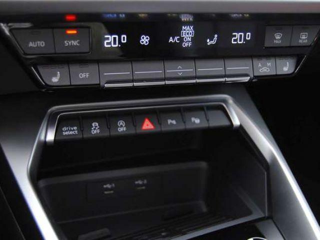 Audi S3 Limousine TFSI 228(310) kW(PS) S tronic Navi