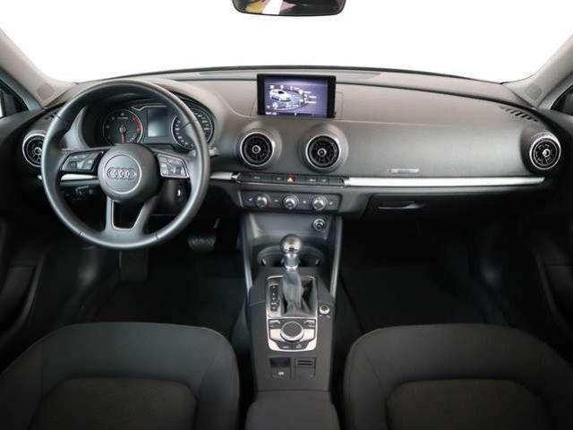 Audi A3 30 TDI S tronic, Navi BiXenon GRA 2