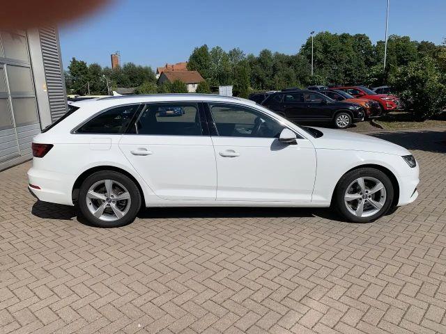 Audi A4 Avant 40 TFSI sport LED+Navi+el.Klappe+Sitzhz