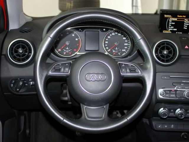 """Audi A1 Sportback 1.0TFSI S-Line Xenon PDC SHZ 17"""""""