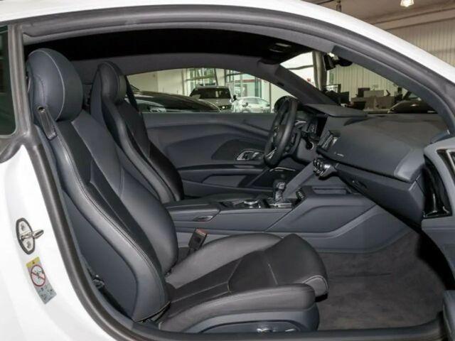 Audi R8 CoupeŽ V10 Q LASER S-AGA BuO LM20