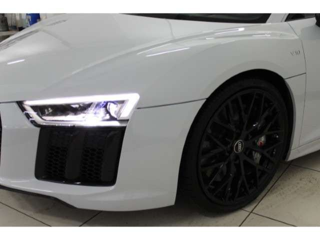 Audi R8 V10 5.2 FSI plus quattro B&O Keramik Carbon