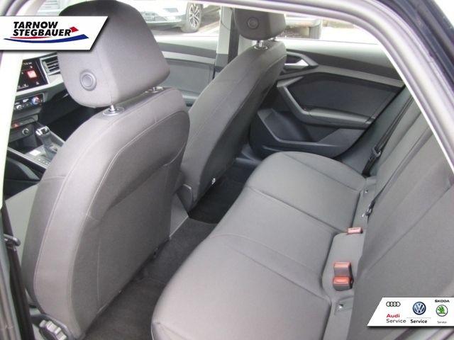 Audi A1 Sportback 30 TFSI Stronic NAVI PDC SHZ 5JG