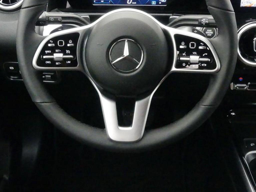 Mercedes-Benz GLB 180