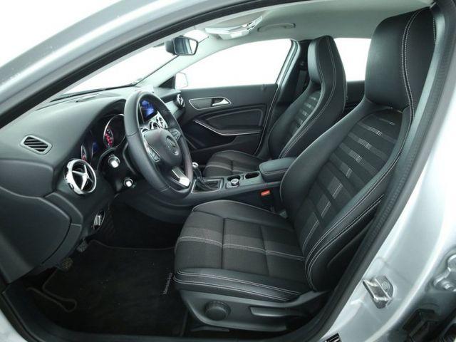 Mercedes-Benz GLA 200