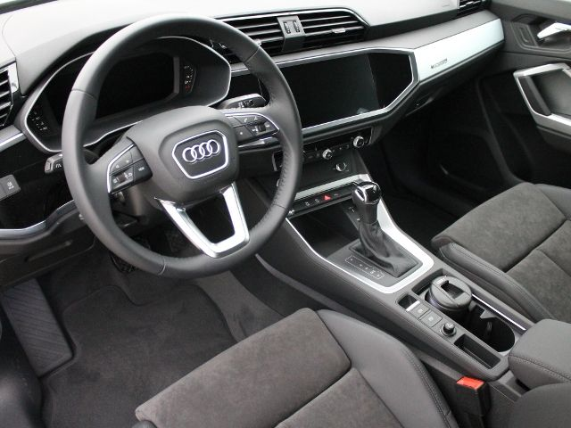 Audi Q3 S-Tronic / VIRTUAL / MMI NAVI KLIMA LED ALU