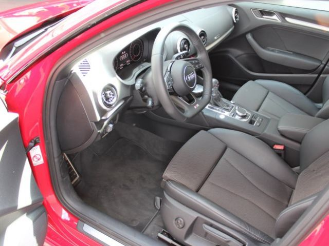 Audi A3 Sportback S line 1 5 TFSI S-Tronic Black/Navi