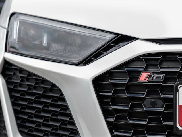 Audi R8 V10 quattro Magnetic Laser BuO Carbon