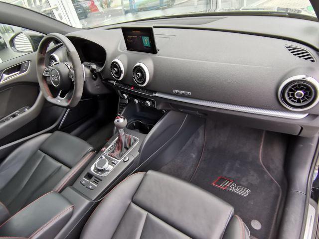 Audi RS3 3 Limousine 2.5 TFSI quattro 294(400) kW(PS)