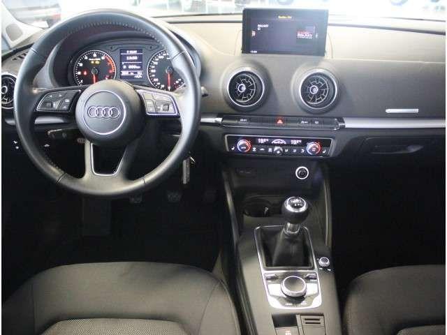 Audi A3 30 TFSI, Xenon, Connect