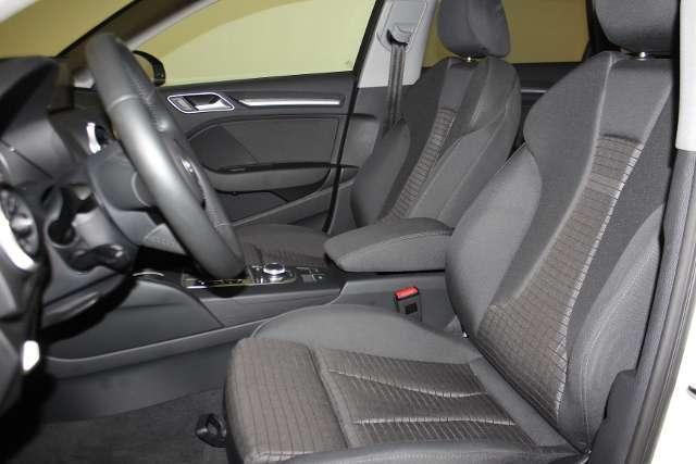 Audi A3 Sportback 1.6 TDI sport s-tronic LED, Navigation