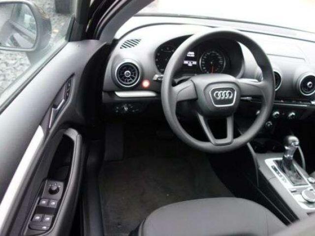 Audi A3 1.0 TFSI Sportback S tronic / XENON / KLIMA