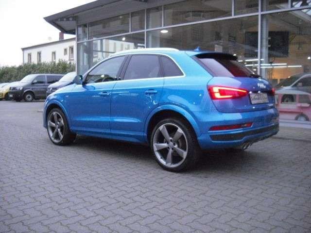 Audi Q3 2.0 TDI sport quattro Xenon+Navi+Einparkhilfe