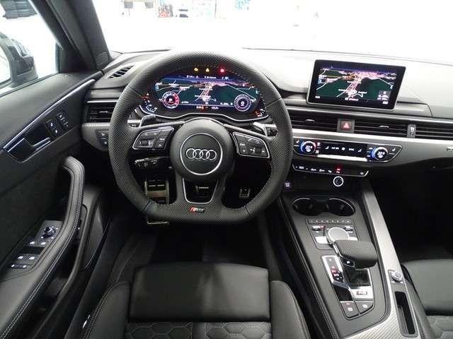 Audi RS4 20 Keramik Pano B&O SportAgA Dynamik+Komfort+Assis