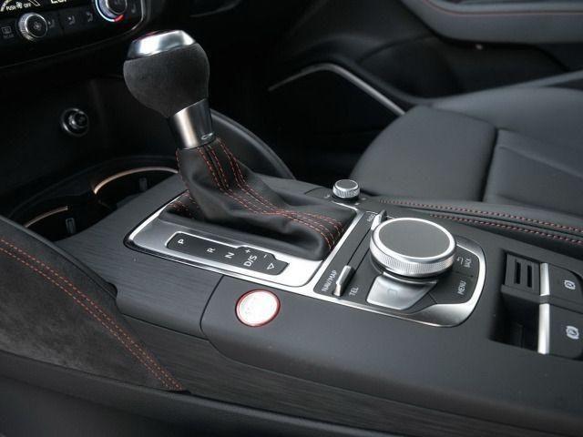 Audi RS 3 Sportback S tronic RS DESIGNPAKET/RÜCKFAHRKAMERA