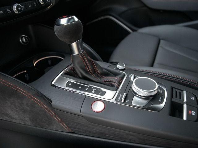 Audi RS 3 Limousine S tronic MATRIX LED/KOMFORTPAKET/LEDER