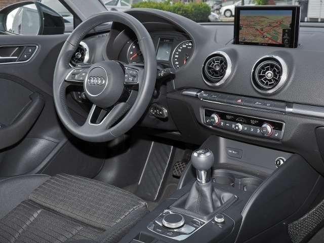 Audi A3 Sportback 30 TFSI Sport Navi, Optikpaket schwarz,