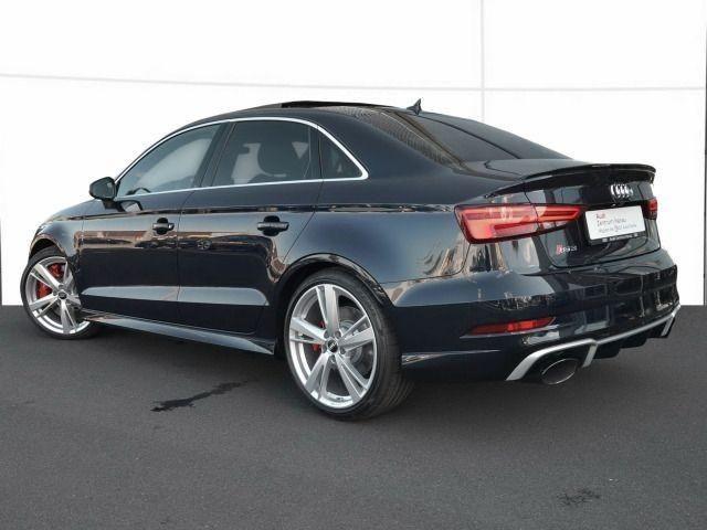 Audi RS 3 Limousine S tronic INDIVIDUAL DARK SAPPHIRE/LED