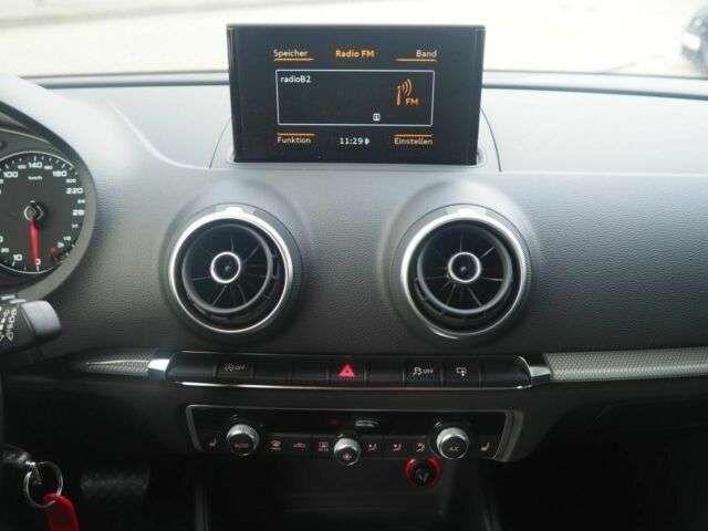 Audi A3 Sportback 1.6 TDI S-TRONIC XENON AAC SHZ PDC