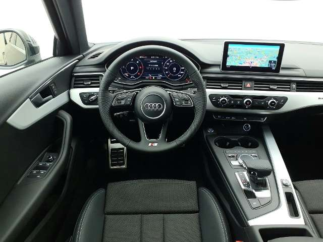 Audi A4 Avant 40 TDI quattro S tronic / DIENSTWAGEN