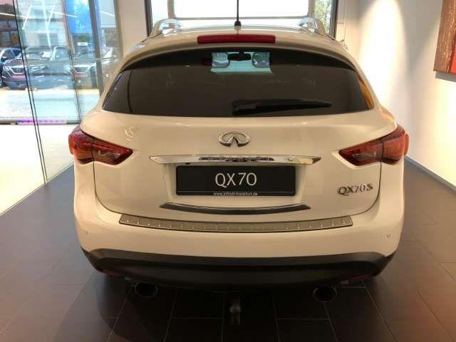 Infiniti QX70