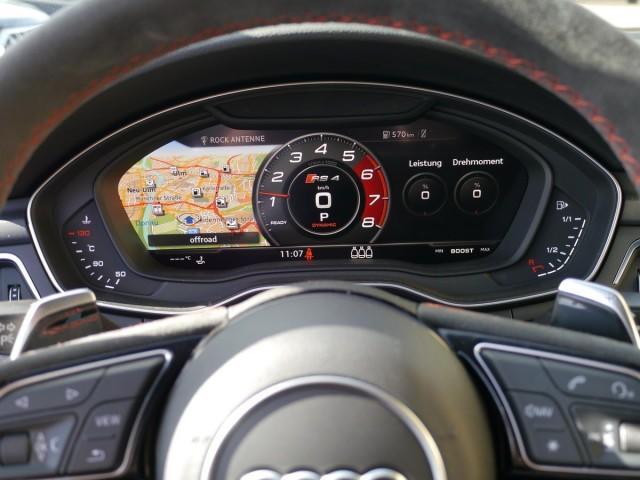 Audi RS 4 Avant quattro tiptr. MATRIX HEAD PANO B&O