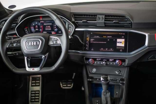 Audi Q3 35 2.0 TDI S-line AHK, Matrix-LED, ACC, MMI Plus