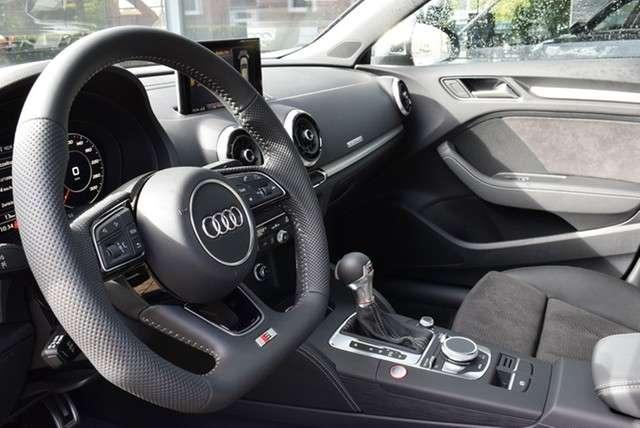 Audi S3 Sportback 2.0 TFSI qu/S-tr. Matrix*Pano*RüKam