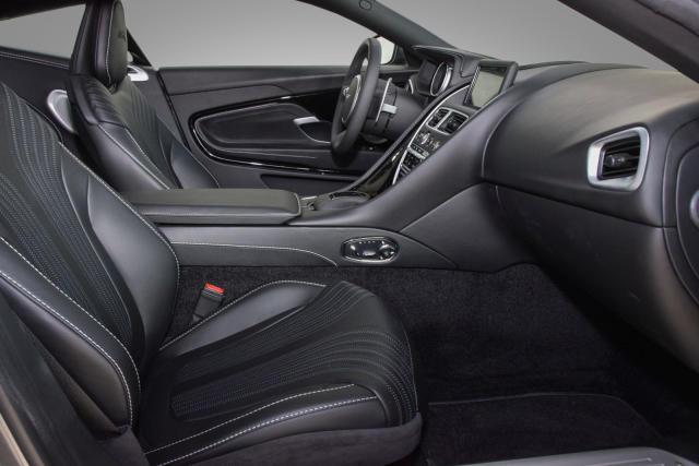 Aston Martin DB11 V12 AMR Coupé - Aston Martin Hamburg