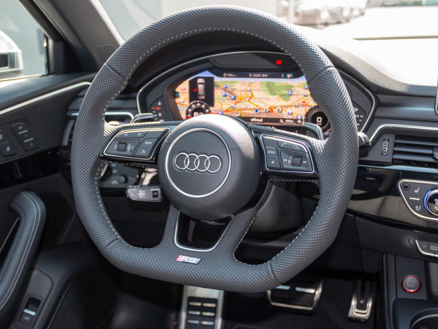 Audi RS 4 Avant 331(450) kW(PS) tiptronic B&O Vmax280