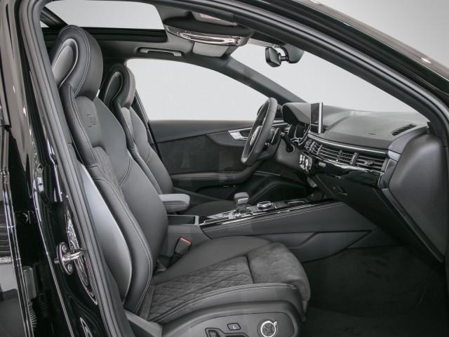 Audi RS 4 Avant B+O+HUD+PANORAMADACH+RS-KOMFORTPAKET