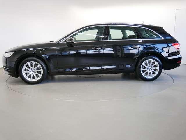 Audi A4 Avant 2.0 TDI design/XENON+/NAVI/AHK/PDC+/SHZ