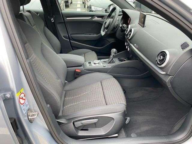 Audi A3 Limousine 35 TFSI sport Navi PDC Virtual Cock