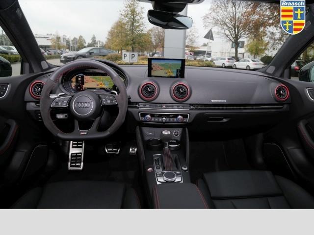 Audi RS 3 Limousine RS 3 S tronic