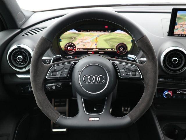 Audi RS 3 Limousine 2,5 TFSI quattro S tronic Panorama Mat