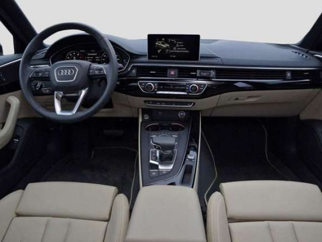 Audi A4 Avant 40 TFSI S-TRONIC*LED*LEDER*NAVI*PANO