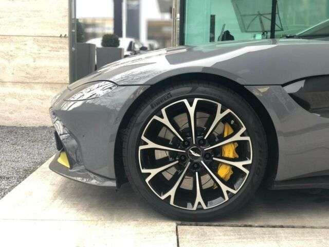 Aston Martin V8 New Vantage UPE 217.400