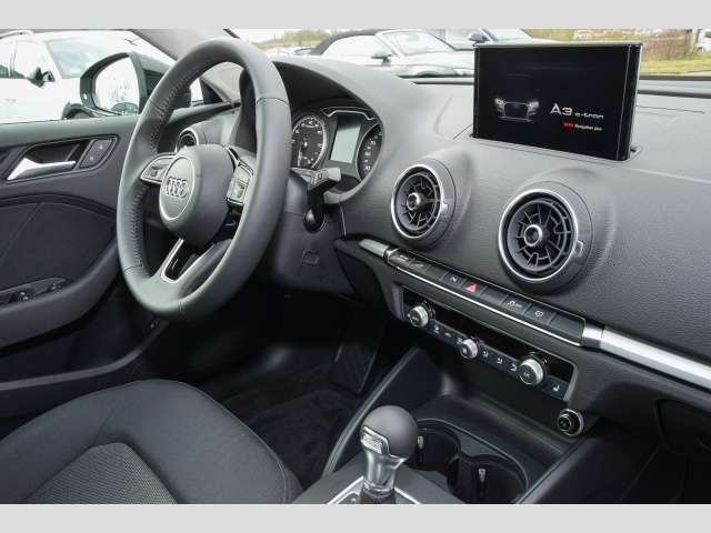 Audi A3 Sportback 40 e-tron 150(204) kW(PS) S tronic