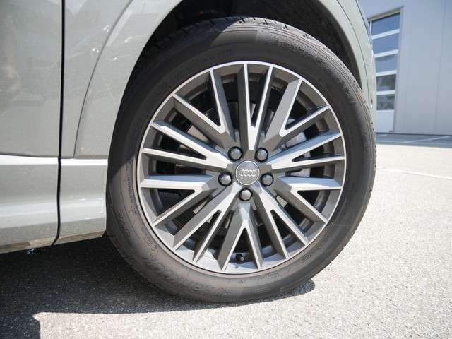 Audi Q3 S line 40 TFSI quattro KAMERA NAVI LED ACC